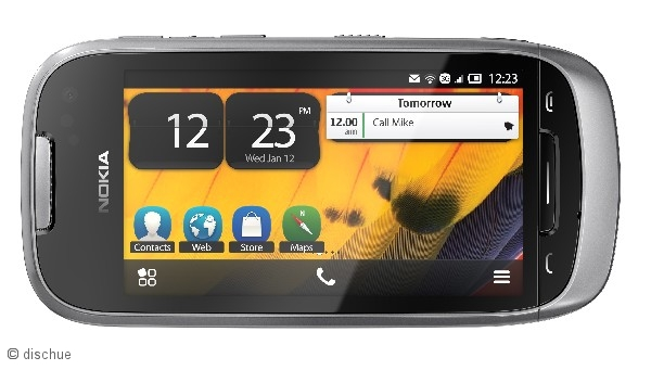 nokia_701_smartphone_front_quer_silverlight